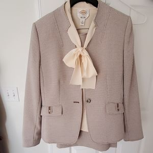 Tahari two pc Checked suit